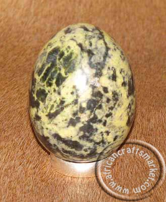 African stone egg - Spotted-Opaline