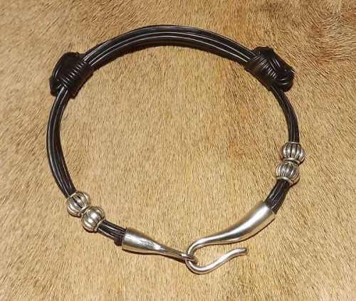 Elephant hair bracelet - Brass beads