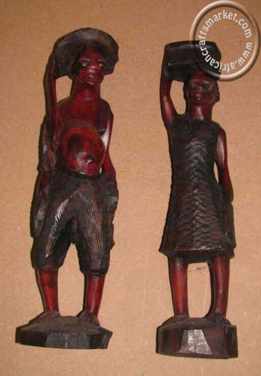 African wooden Zulu couple